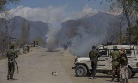 Kashmir police prohibit live media coverage of gunfights