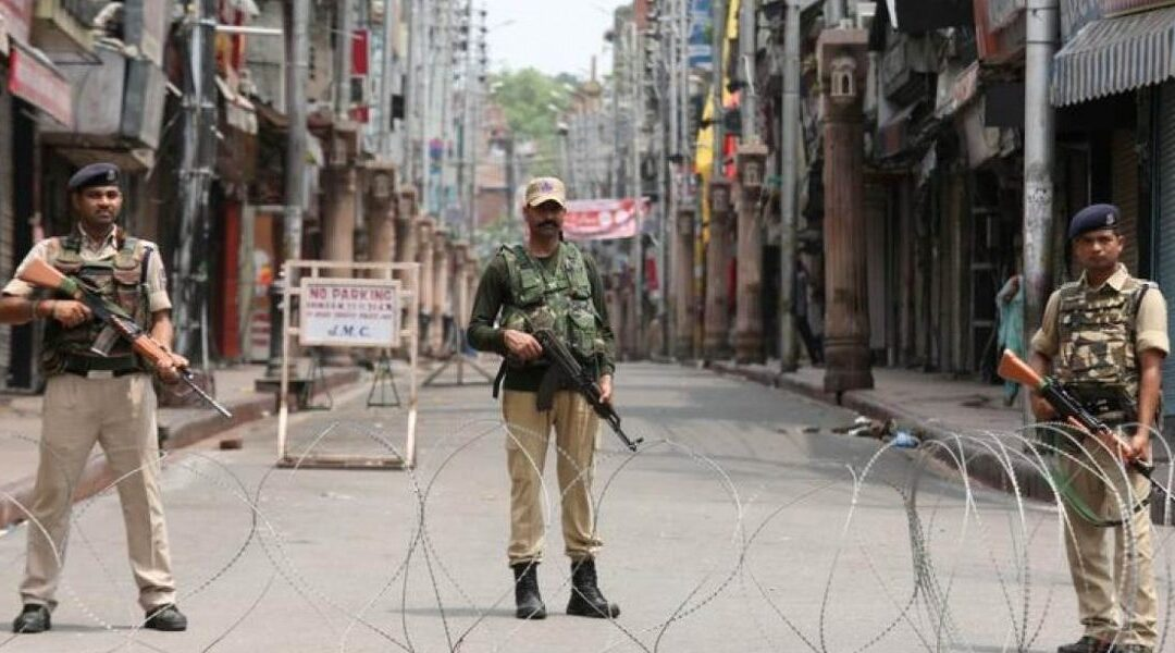Kashmir Journalists Confused, Worried by Police Warning Against Covering Gunbattles
